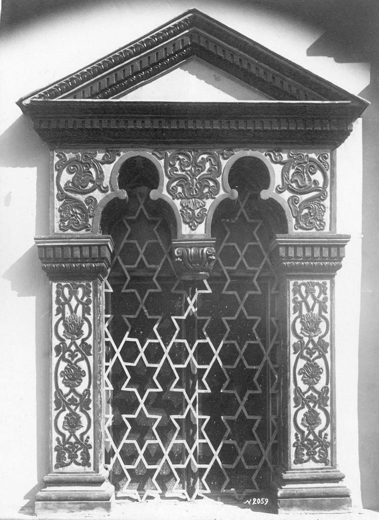 Теремной дворец. Наличник окна
