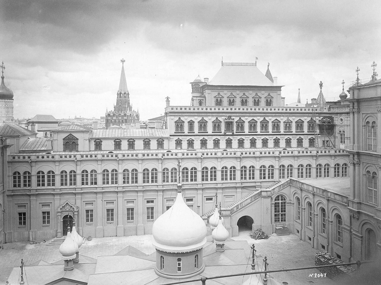 Теремной дворец