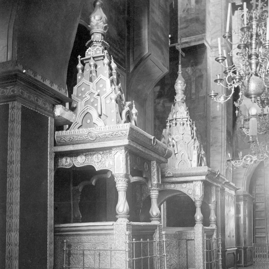 Софийский собор. Царское и святительское места ХVI века