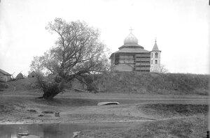Церковь Спаса на Нередице. Наружный вид в процессе реставрационных работ