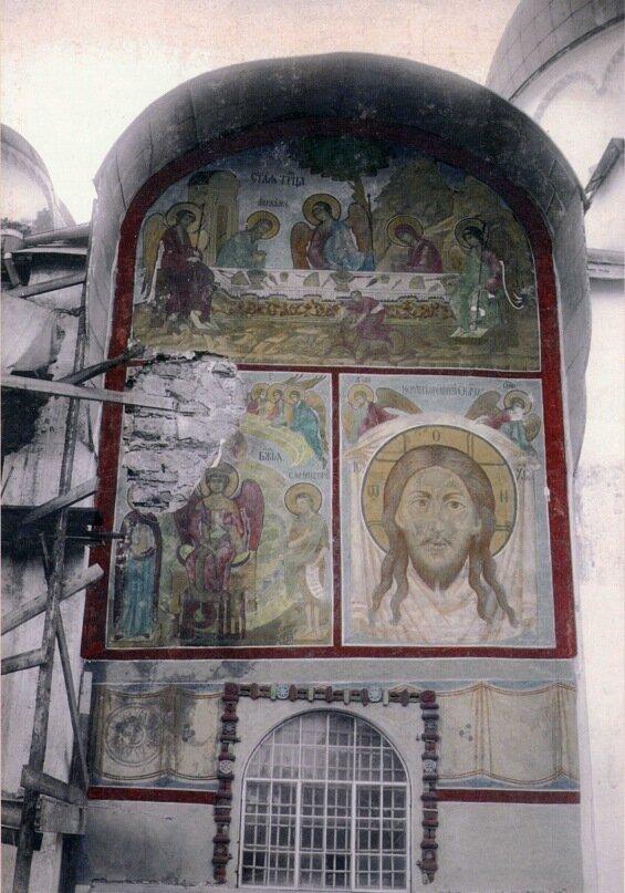 Фреска над западным входом в Софийский собор