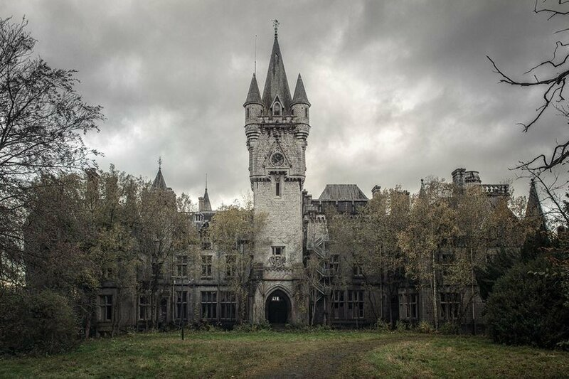 beOkay - фотограф из Германии, который фотографирует забытые Богом и людьми места
