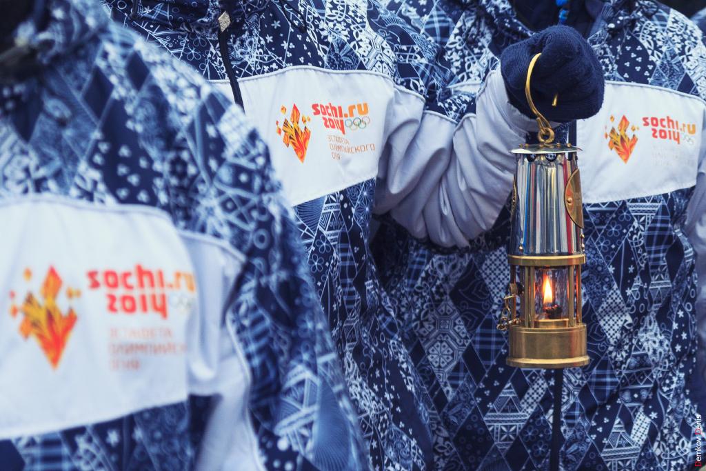 Фоторепортаж: Эстафета олимпийского огня в Ростове-на-Дону