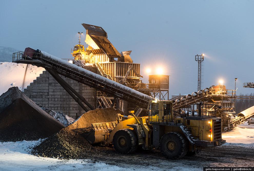 12. В марте 2014 года завершена разработка открытым способом карьера Тарньерского месторождения. Сей