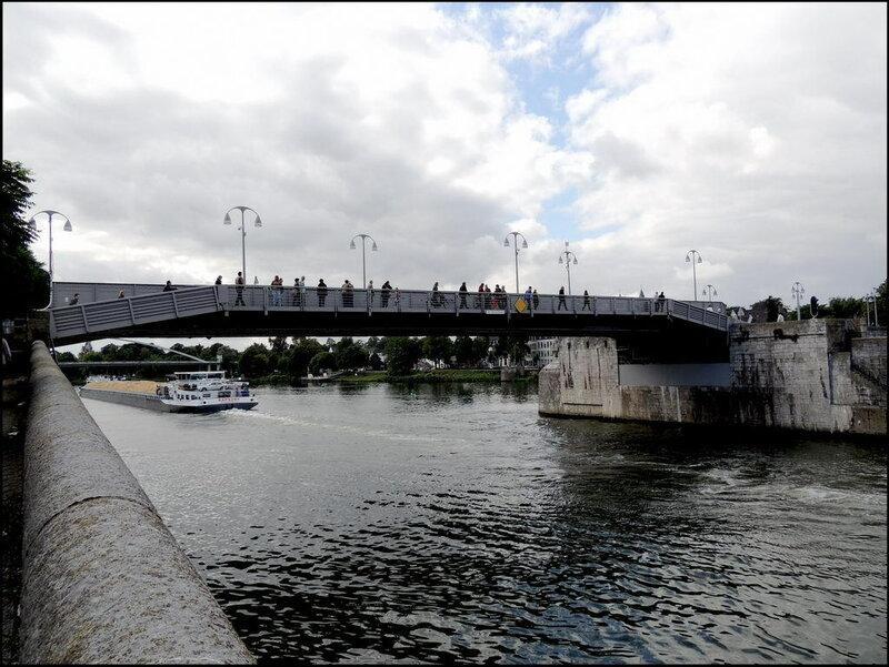Maastricht 7094 Sint Servaasbrug.JPG