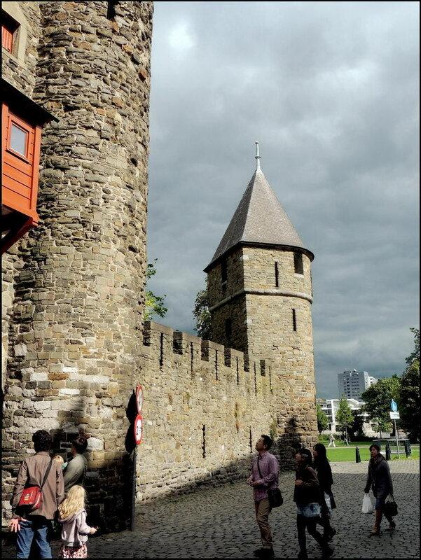 Maastricht 7403 Helpoort - Stadswal