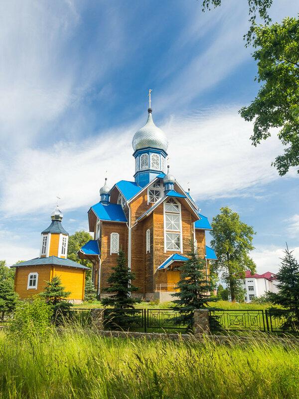 Местный храм — церковь св. Георгия.