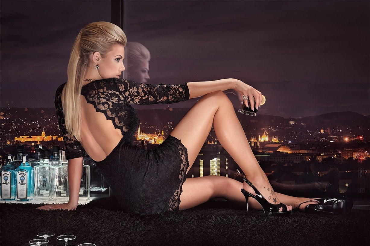 Leonie Hagmeyer-Reyinger - Miss Tuning Official Calendar 2014