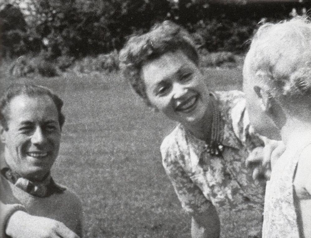 1945. Рекс Харрисон, Лилли Палмер и  их сын Кэри Харрисон