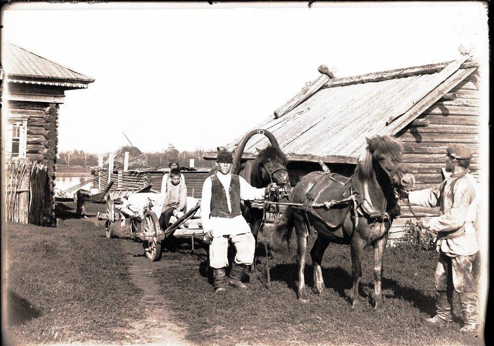 Село Болчаровское. Подвоз муки в магазин