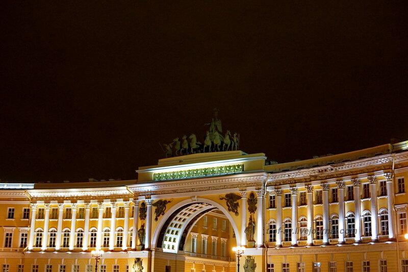 Триумфальная арка Главного штаба (1819-1828гг) с колесницей крылатой богини Победы, Санкт-Петербург