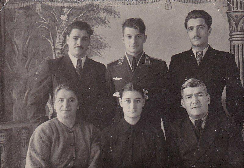 Семейный фотопортрет 1954 год.