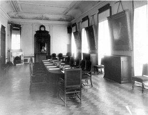 Зал заседаний совета в Русско-Азиатском банке.