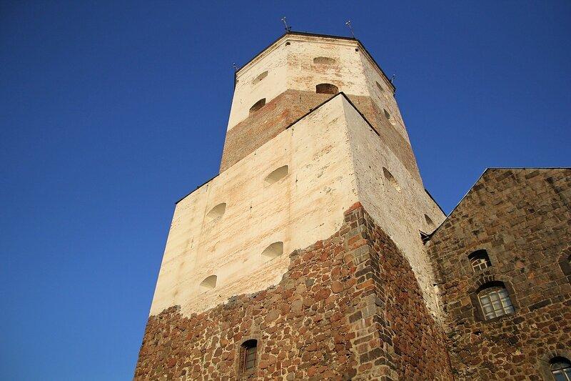 Башня Олава в Выборгском замке - фестиваль «Майское дерево 2014»