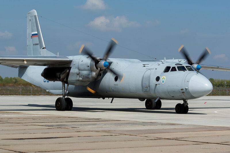 Антонов Ан-26Б (RF-36049 / 03 синий) D807772