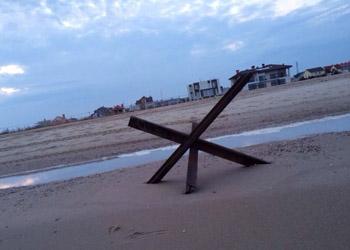 В Одессе мобилизация: Вдоль берега моря стоят противотанковые ежи