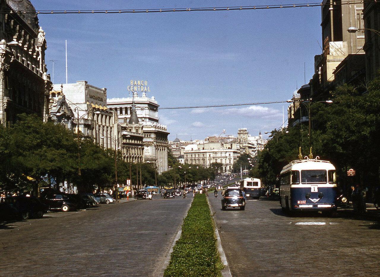1955-1959 Madrid. Calle de Alcala.JPG