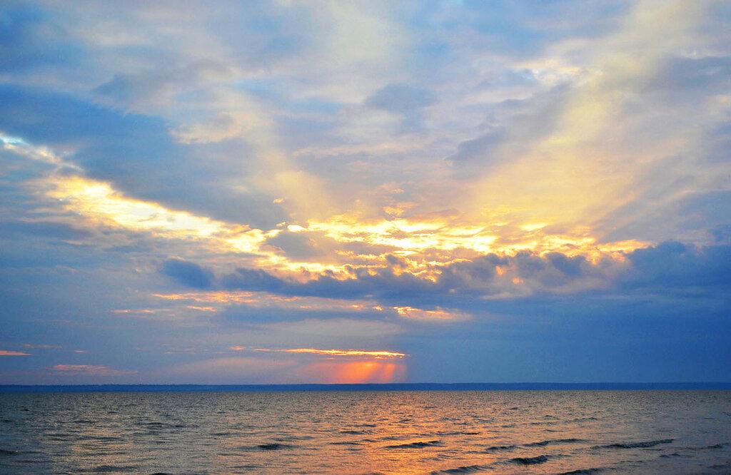 Закат и Днестровский лиман