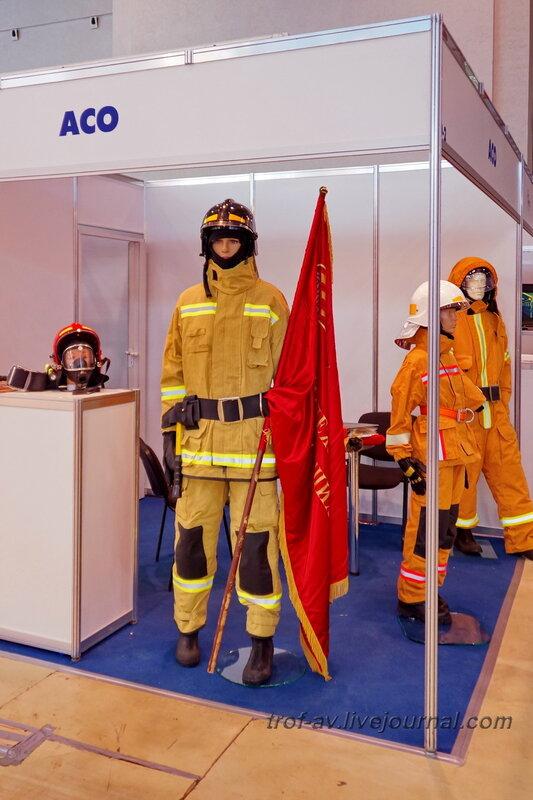 Пожарный. Выставка Комплексная безопасность 2014, Москва