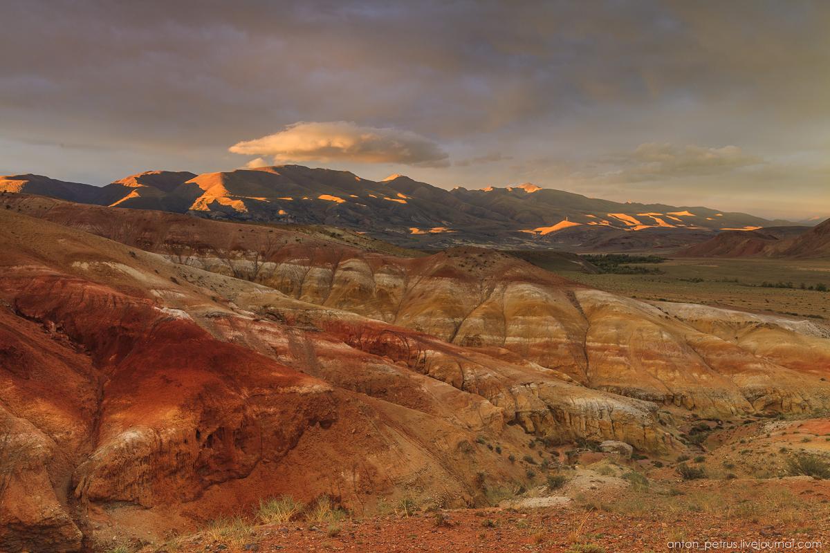Необычный закат в Кызыл-Чине