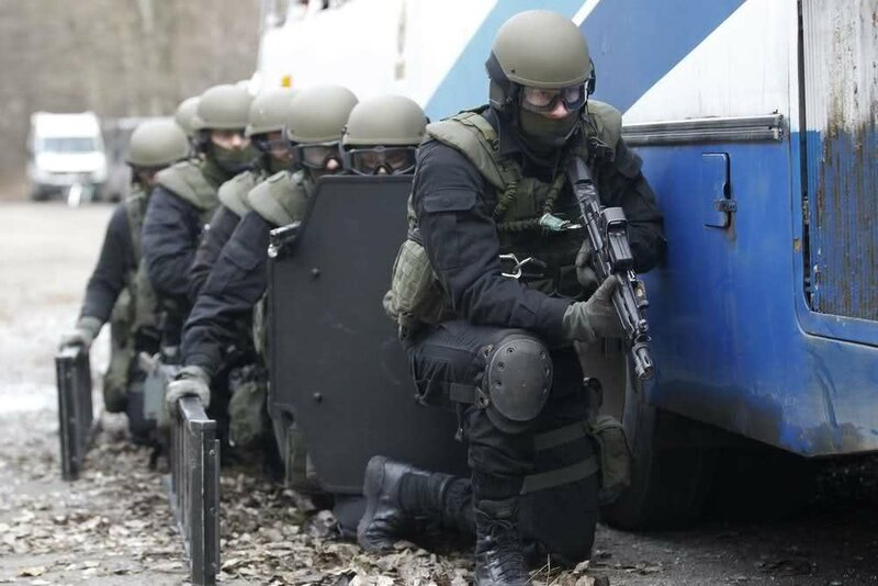 Ukrainian SWAT (special weapons and tactics) Team And Border Guards (4).jpg