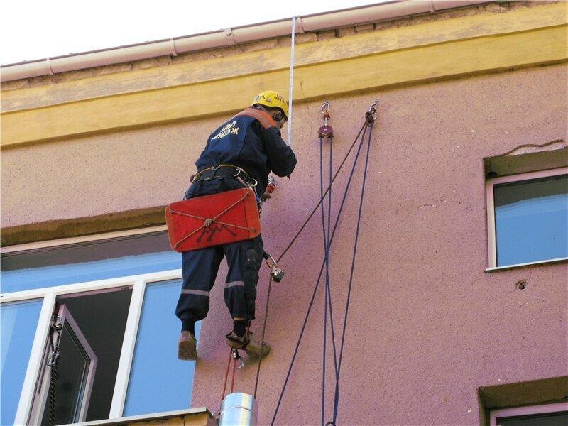 Работа промальпов на монтаже воздуховодов