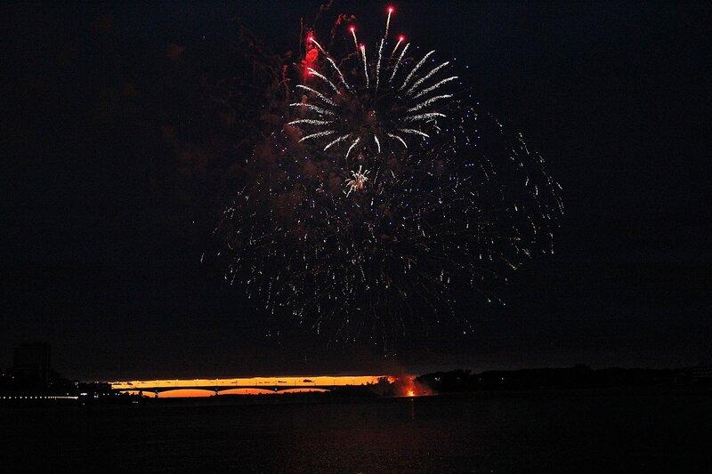 Звезда смерти. Фестиваль фейерверков-2014 в Кирове.
