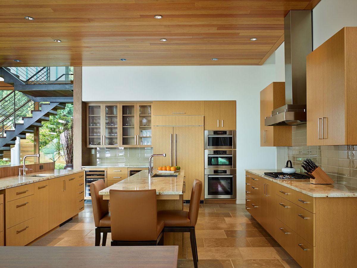 фотограф Benjamin Benschneider, Courtyard House, частные дома в Сиэтле, особняки штата Вашингтон, дом на берегу залива фото, красивый вид из окон