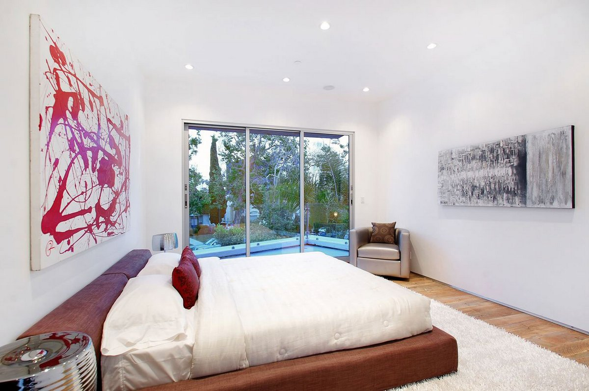 Частный дом Mansfield, дома в Калифорнии, дома в Лос-Анджелесе, особняки в Голливуде, белый фасад частного дома, Amit Apel, обзор дома в Лос-Анджелесе