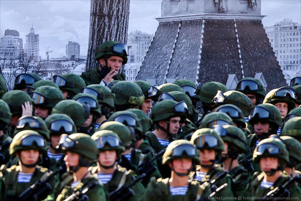 El desfile militar en la Plaza Roja de Moscú celebra la victoria sobre el nazismo 0_c2ba9_cd5ac4f_XXXL