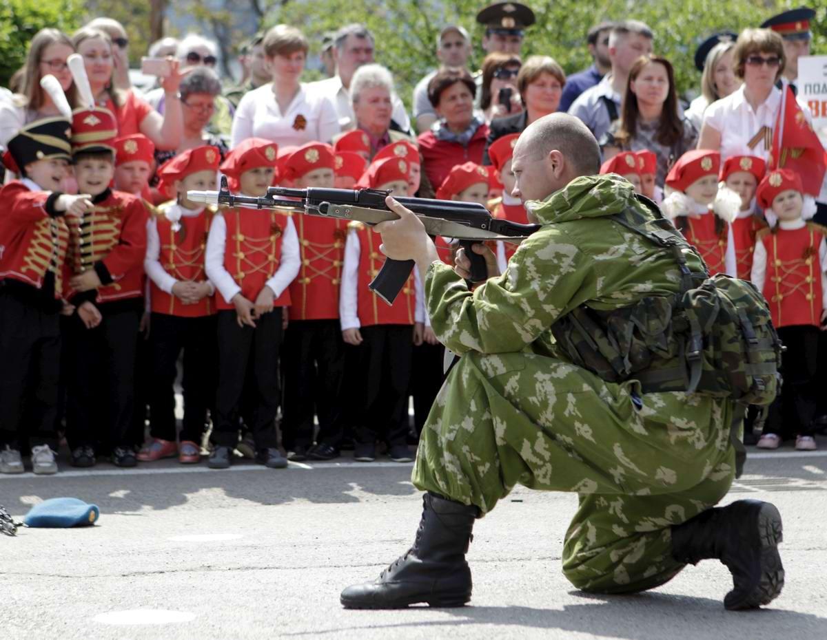 Между правдой и ложью: Про Парад детских войск в Ростове-на-Дону (17)