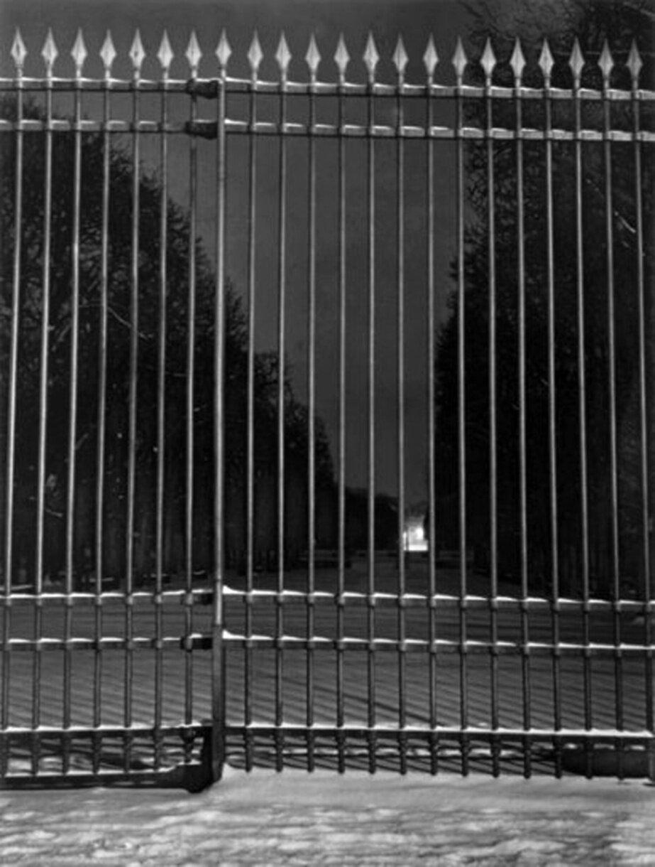 1932. Решетка Люксембургского сада