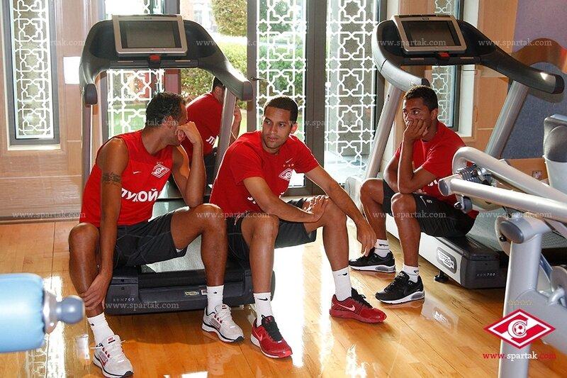 «Спартак» тренируется в Эмиратах (Фото)