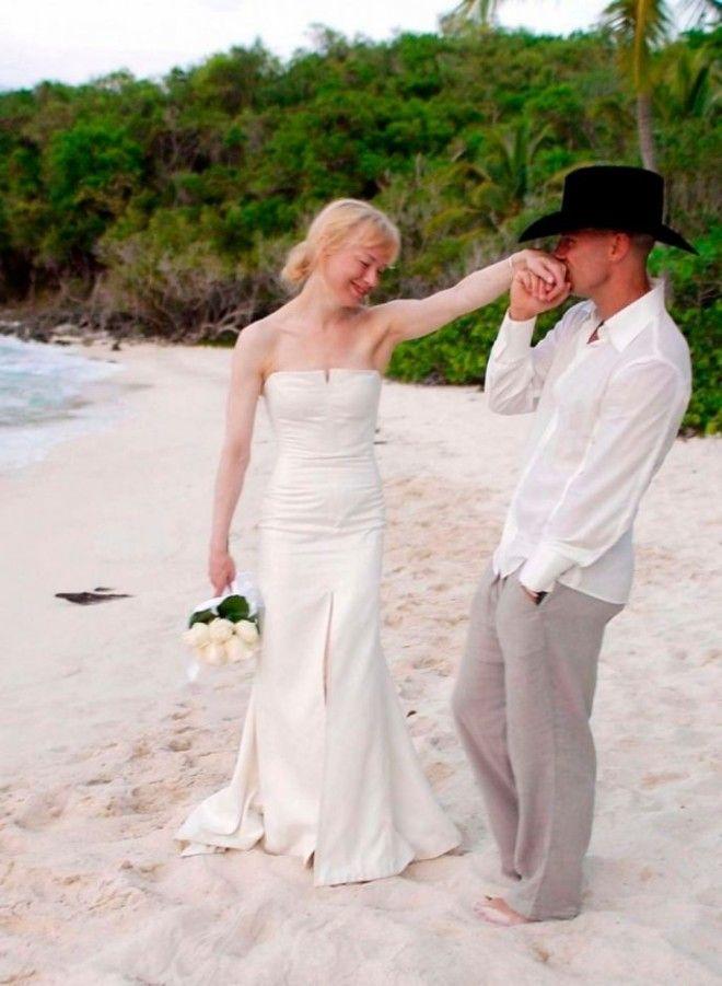 Актриса была в официальном браке всего раз — в 2004 году она вышла замуж за кантри-музыканта К