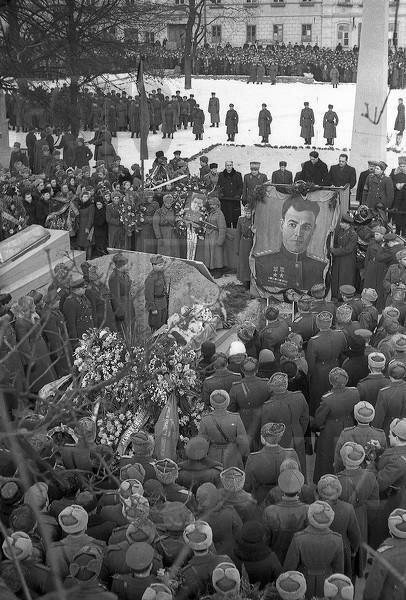 Похороны Черняховского