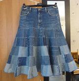 Как сшить новую юбку любого размера из старых джинсов, без применения выкройки