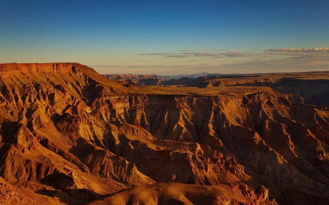 Каньон Фиш-Ривер (Fish River Canyon). Намибия