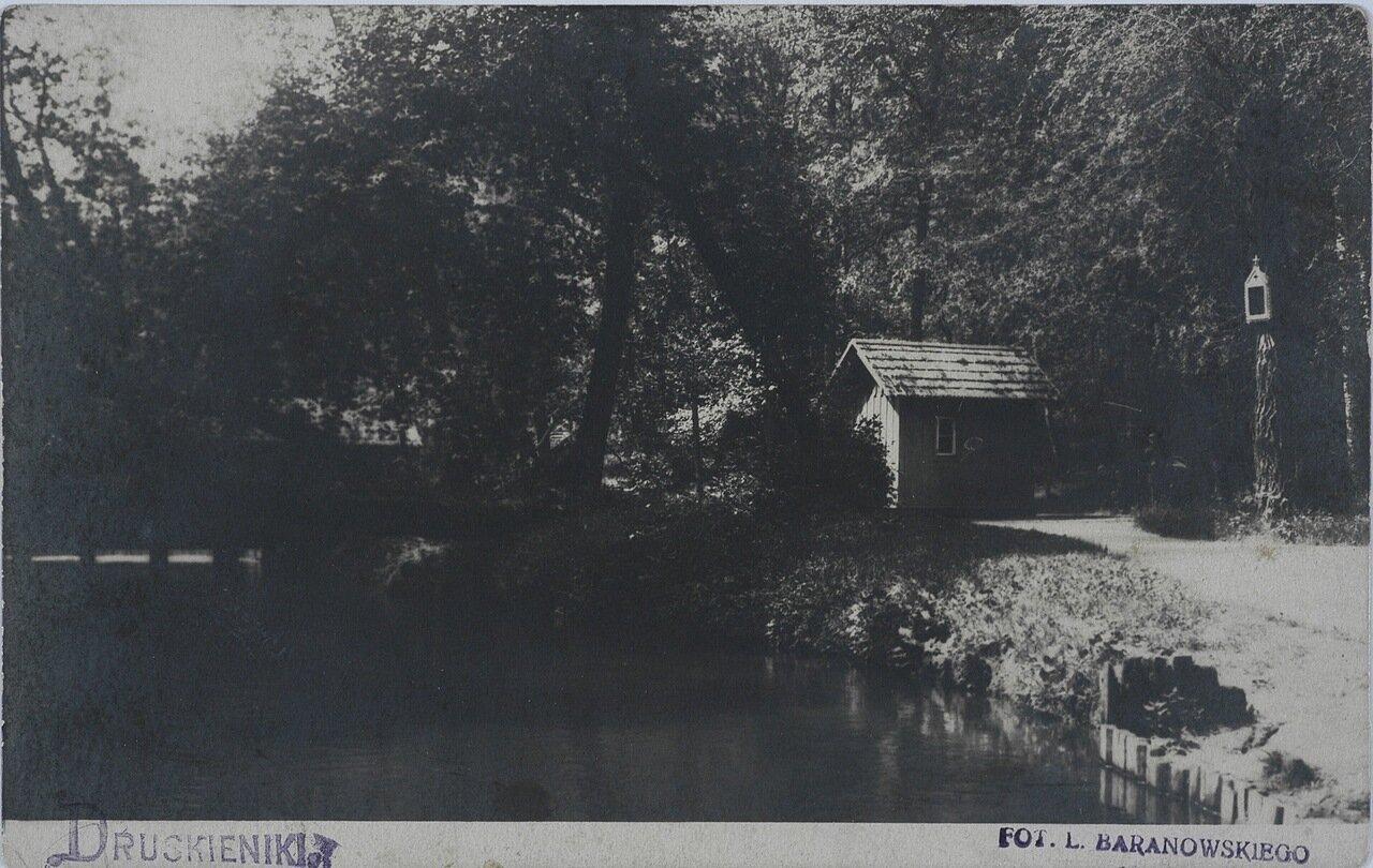Вид на реку Ротничанку.. 1915