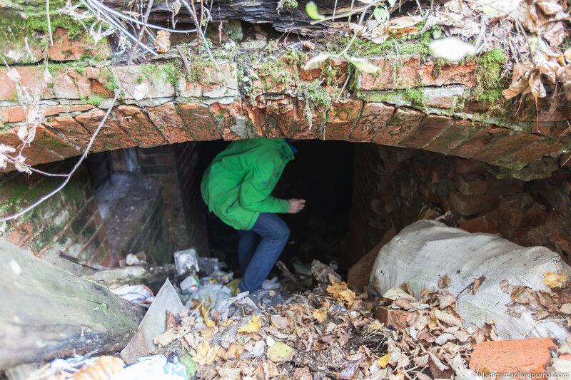 В подвалы замка в Колосово