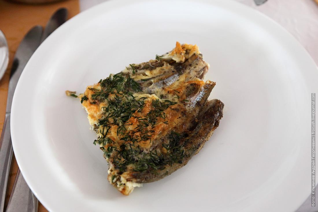 Запеченная в яйце мойва