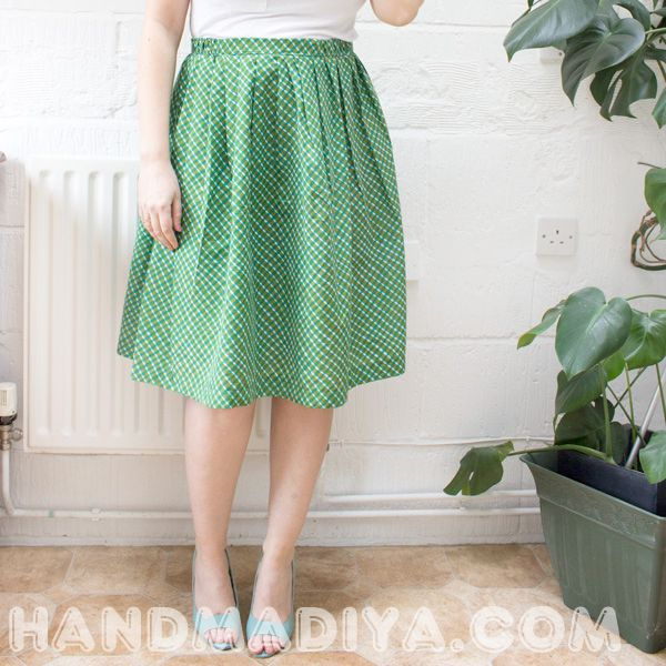 We sew a cute skirt for the summer. Tutorial