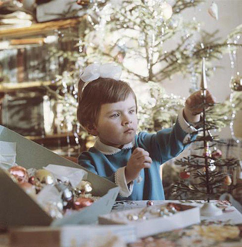 7. Только после войны начали по-настоящему складываться традиции празднования Нового года в СССР. Ст