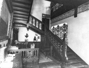 Внутренняя лестница в особняке И.Д.Бонштедта.