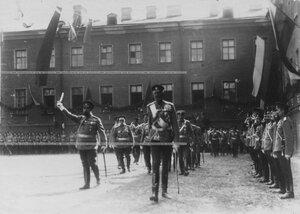 Великий князь Николай Николаевич и командир полка генерал-майор А.П.Буковский  обходят строй полка в день празднования 100-летия Кульмского боя.