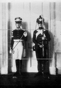 Форма офицера и солдата батальона образца 1812 года.