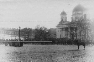 Торжественное построение лейб-гвардии 1-й артиллерийской бригады у Спасо-Преображенского собора.