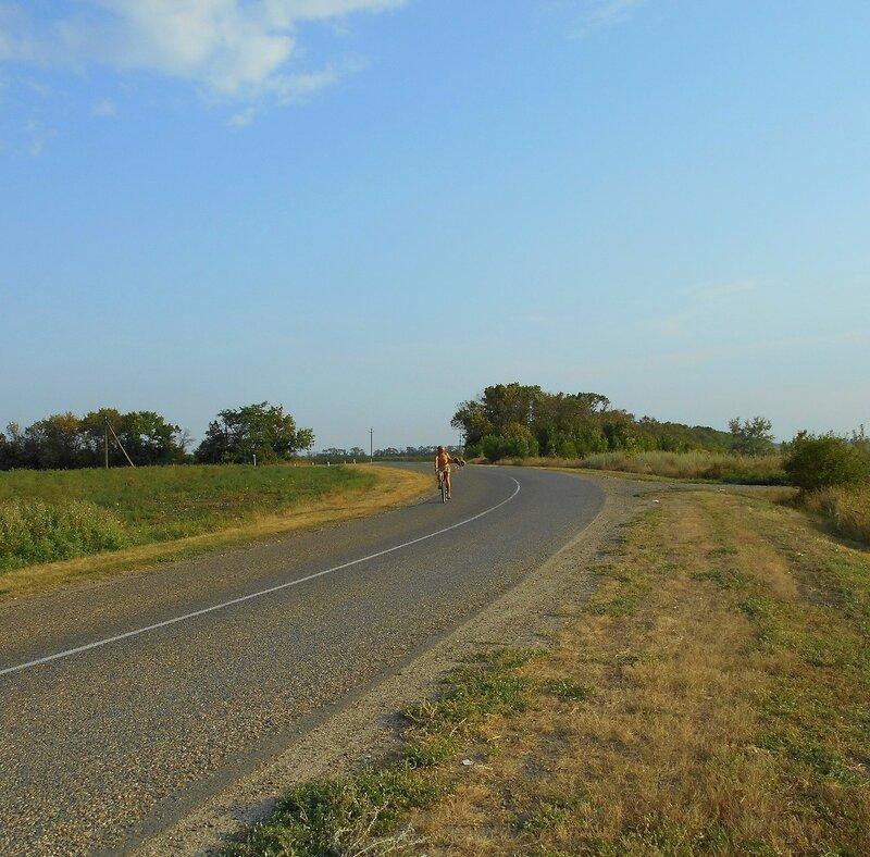 На шоссе, с велосипедом ... DSCN0042.JPG