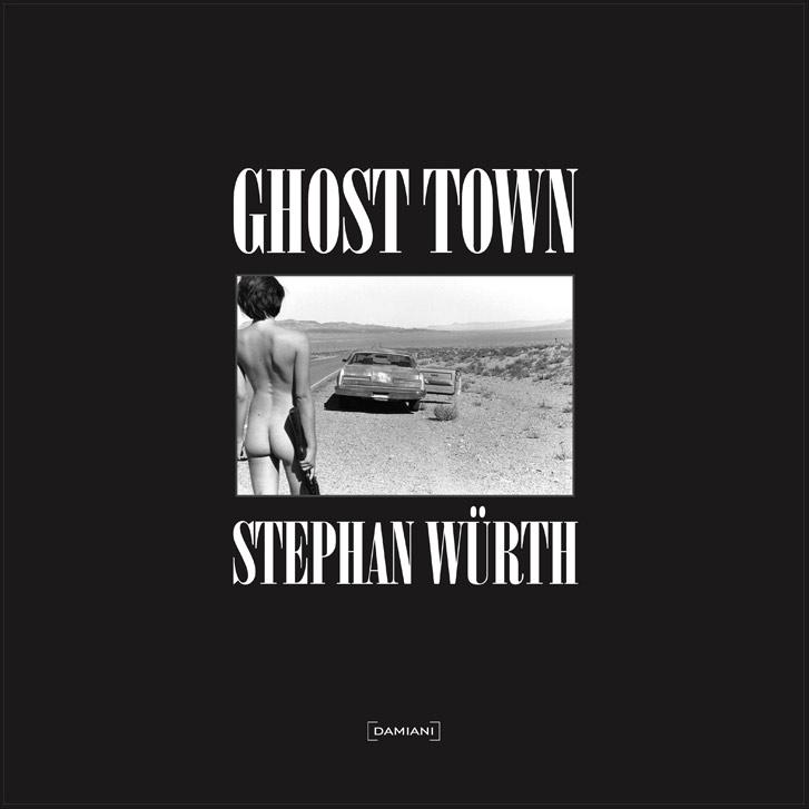Голые путешественницы в заброшенном городе / Ghost Town by Stephan Wurth