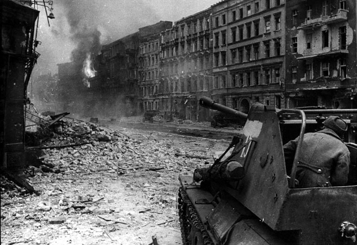 Падение Берлина на фотографиях весны 1945 года (3)