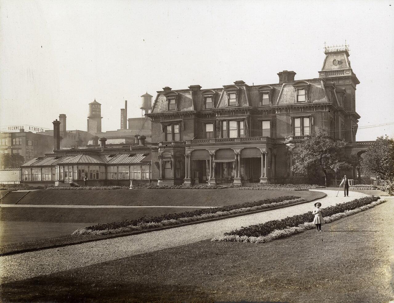 Вид на здание с северо-запада